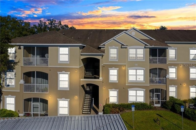 Condominium en 581 BRANTLEY TERRACE WAY, 203 Altamonte Springs, FL 32714