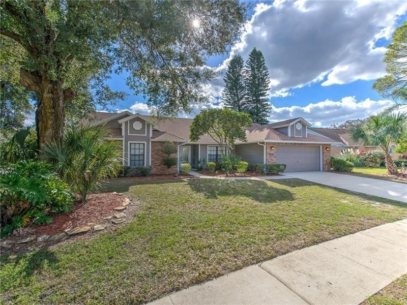 Single Family Home at Bloomingdale, Valrico, FL 33596