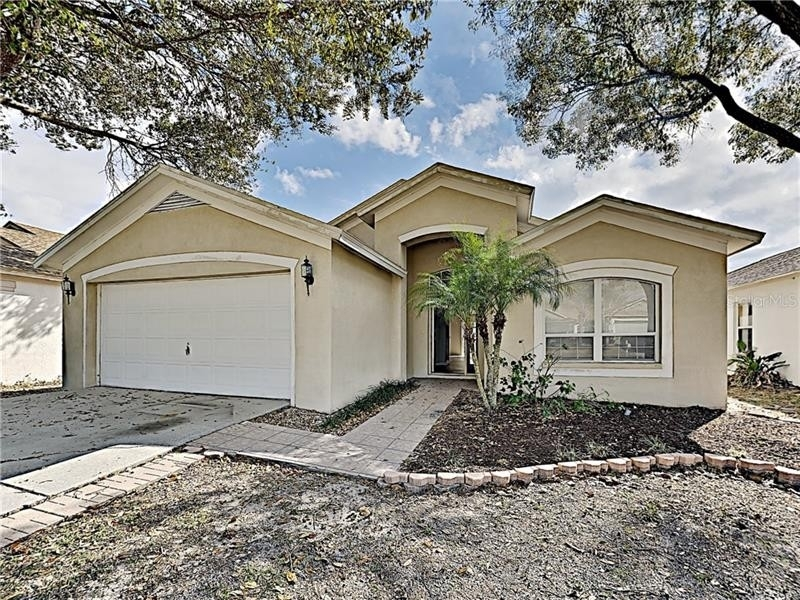 Single Family Home at Valrico, FL 33594