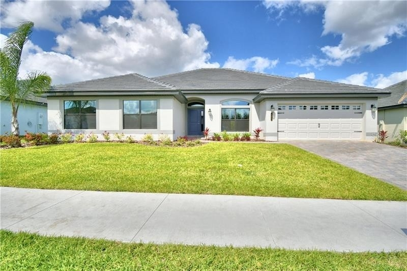 Maison unifamiliale pour l Vente à Lake Juliana Estates, Auburndale, FL 33823