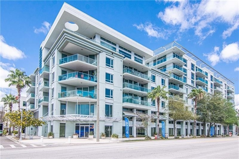 Condominium для того Продажа на 111 N 12TH STREET, 1424 Channel District, Tampa, FL 33602