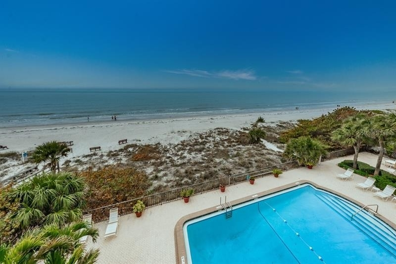 Condominium 為 特賣 在 19700 GULF BOULEVARD, 402 Indian Rock South Shore, Indian Shores, FL 33785