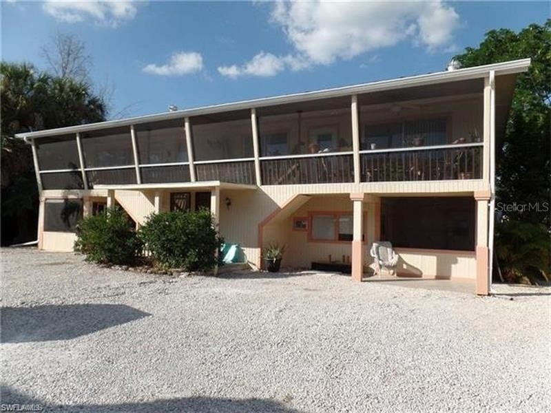 Single Family Home for Sale at Fort Myers Beach, FL 33931