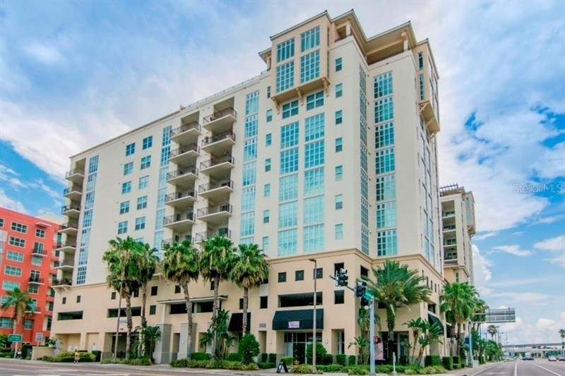Condominium для того Продажа на 1227 E MADISON STREET, 1002 Channel District, Tampa, FL 33602