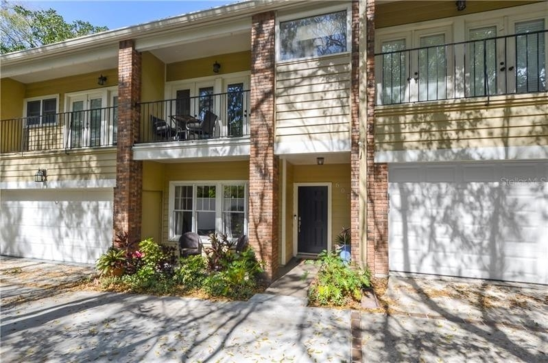 Single Family Townhouse for Sale at 607 BROADWAY AVENUE, 2 Lake Eola Heights Historic District, Orlando, FL 32803