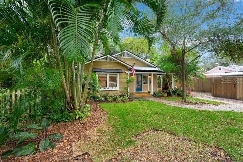 3. Single Family Homes for Sale at Bungalow Park, Orlando, FL 32801