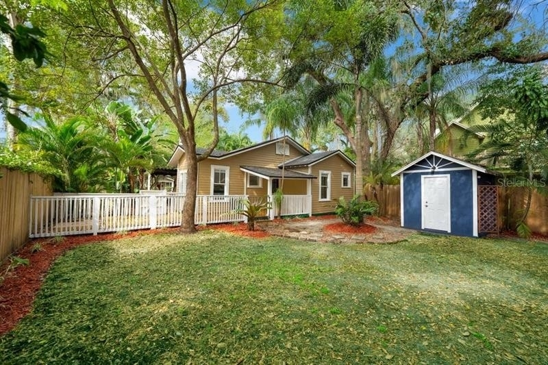22. Single Family Homes for Sale at Bungalow Park, Orlando, FL 32801
