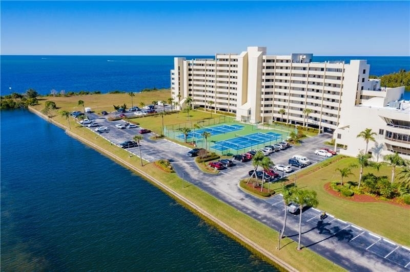 Condominium por un Venta en 6009 SEA RANCH DRIVE, 612E Gulf Island Beach and Tennis Club, Hudson, FL 34667