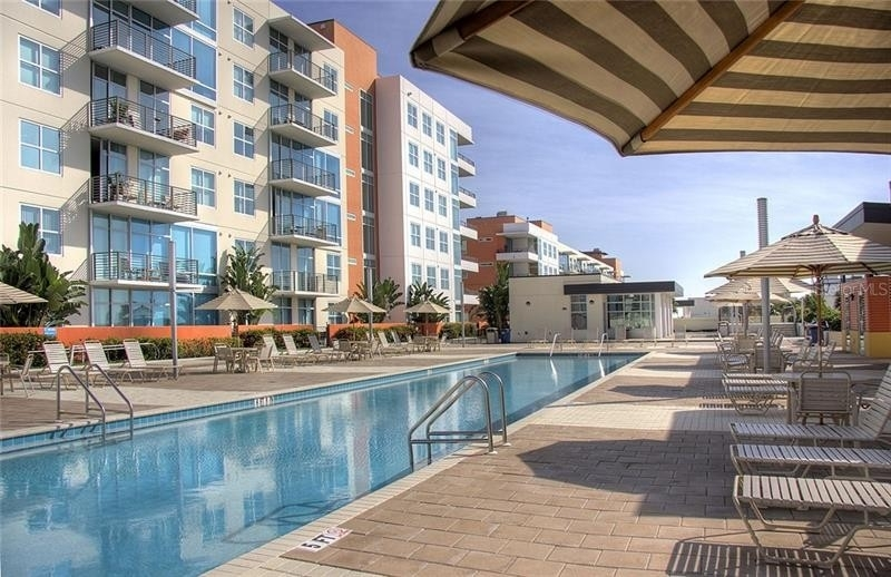 Condominium для того Продажа на 1120 E KENNEDY BOULEVARD, 930W Channel District, Tampa, FL 33602