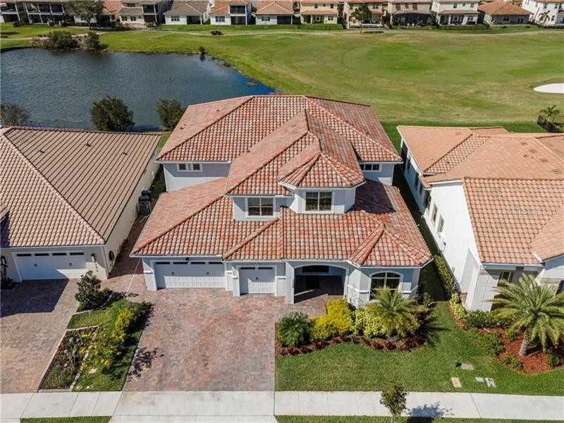 2. Single Family Homes 為 特賣 在 Eagle Creek, Orlando, FL 32832