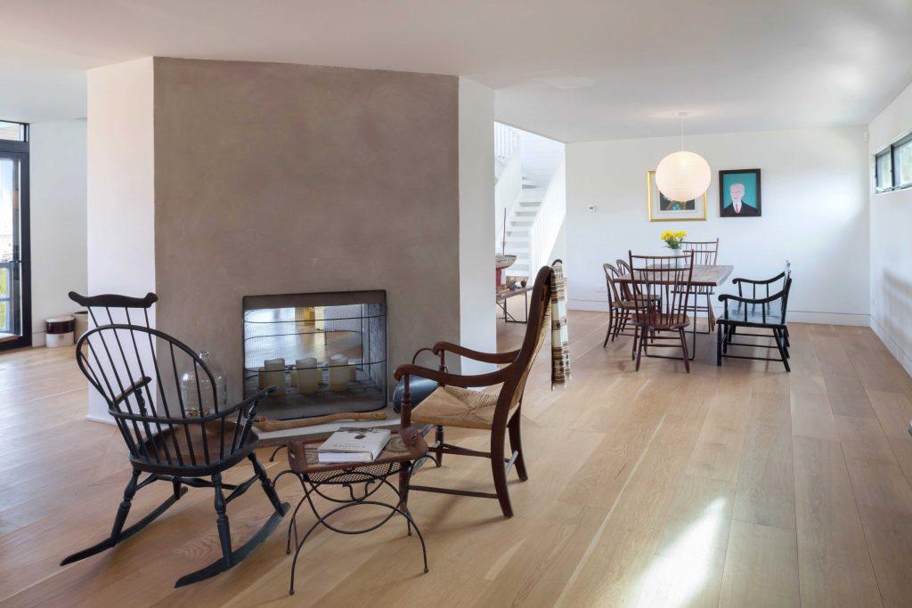 Homes for Art Collectors - 26 TALMAGE FARM LANE, East Hampton Springs, NewYork