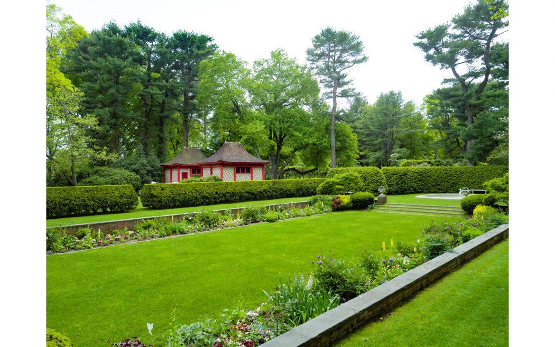 75 Post Road garden