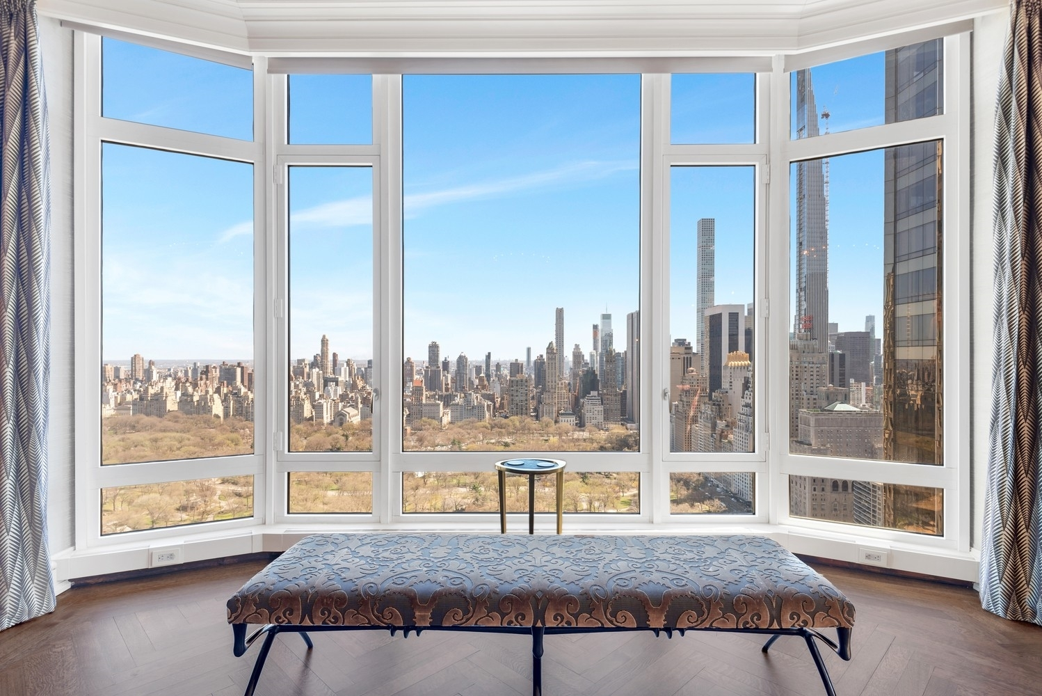 3. Condominiums for Sale at 15 Central Park West, 37A Lincoln Square, New York, NY 10023