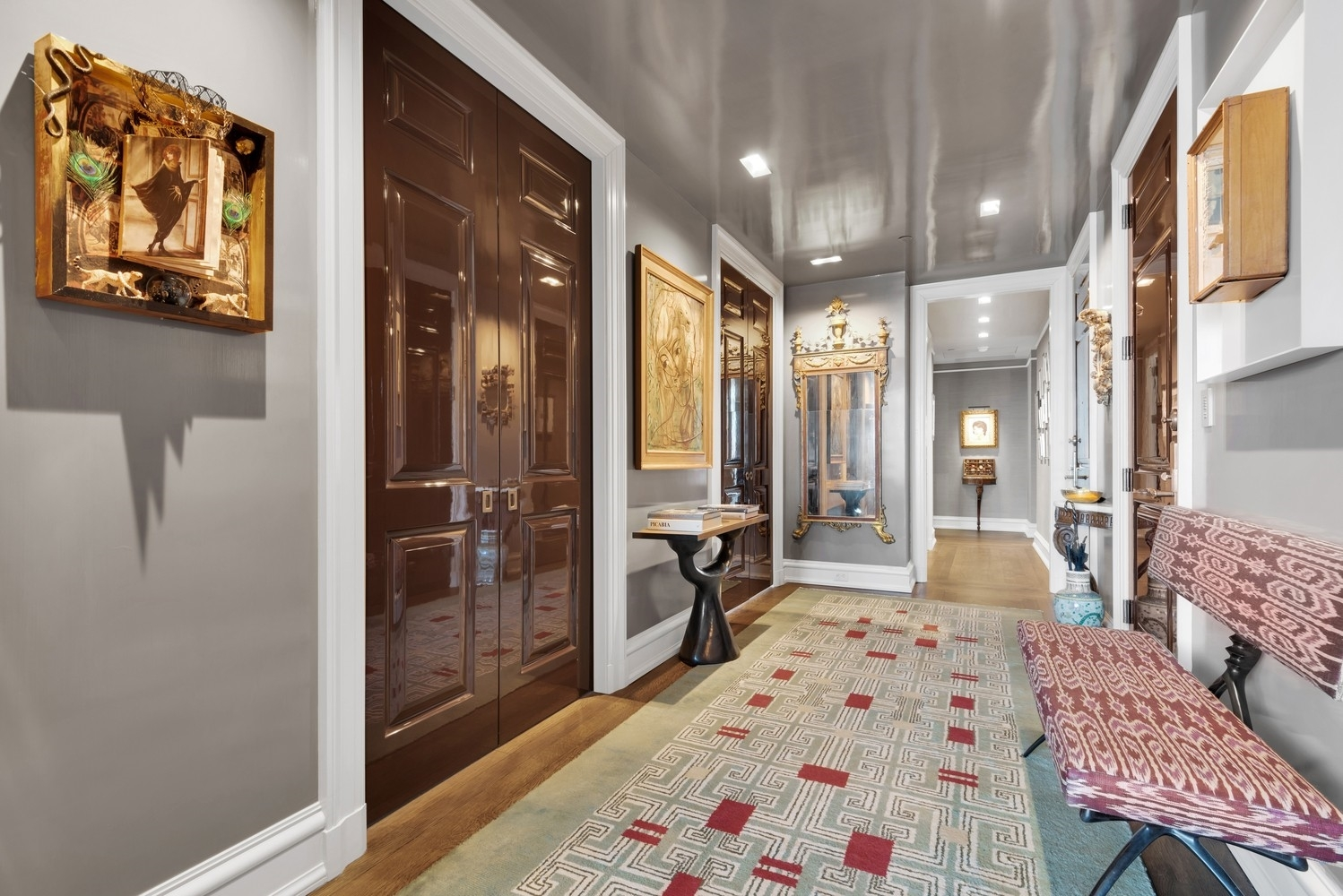 5. Condominiums for Sale at 15 Central Park West, 37A Lincoln Square, New York, NY 10023