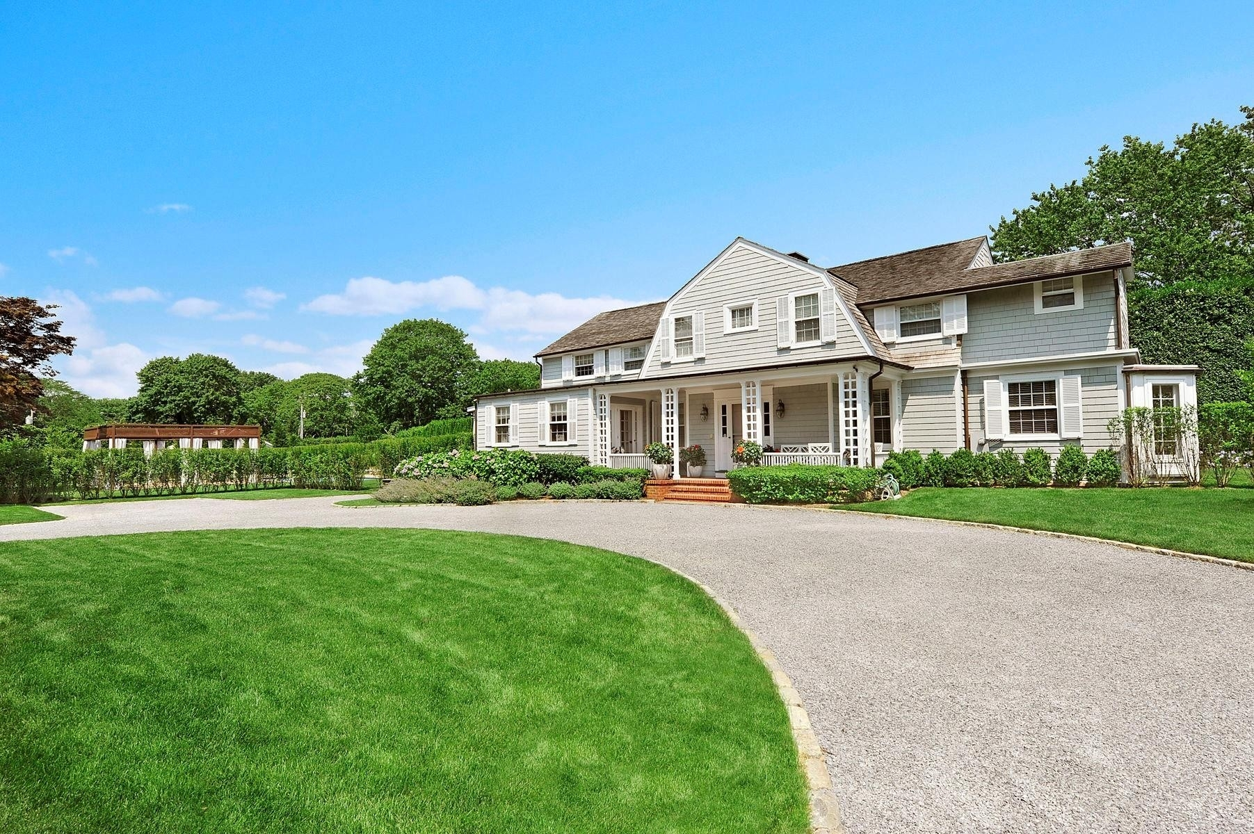 Single Family Home at Southampton Village, Southampton, NY 11968