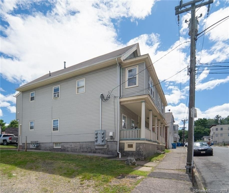 Multi Family Townhouse for Sale at Brooklyn, Waterbury, CT 06708