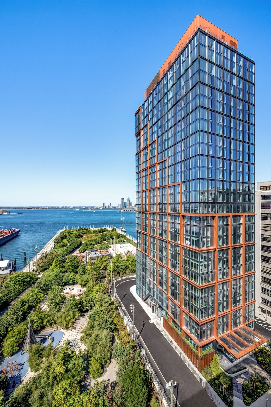 QUAY TOWER building at 50 Bridge Park Drive, Brooklyn Heights, Brooklyn, NY 11201