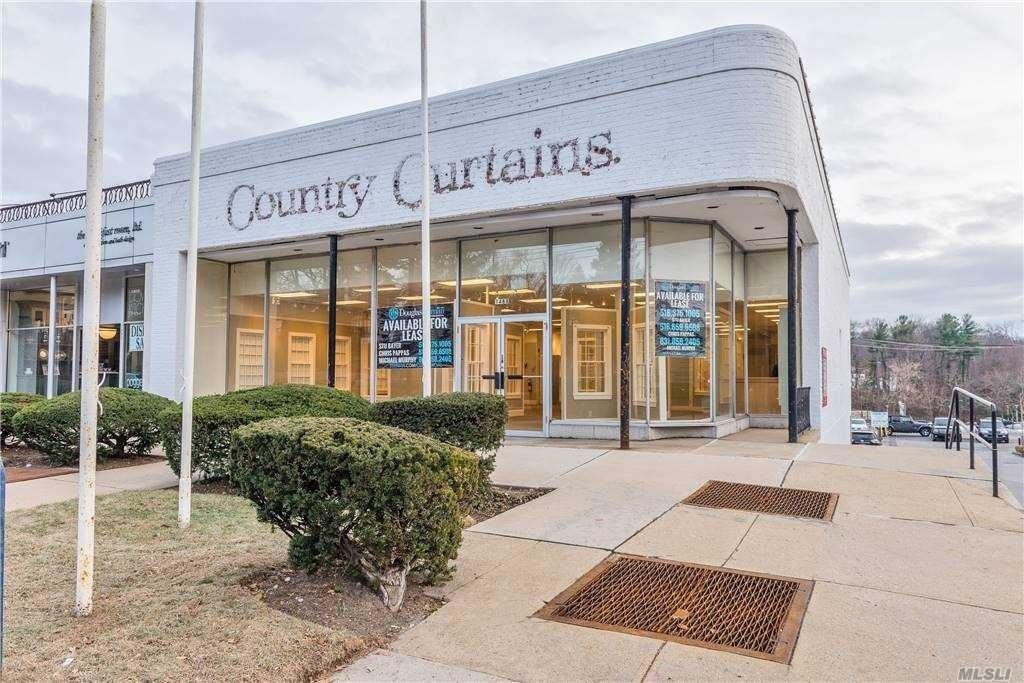Retail Leases at Manhasset, NY 11030