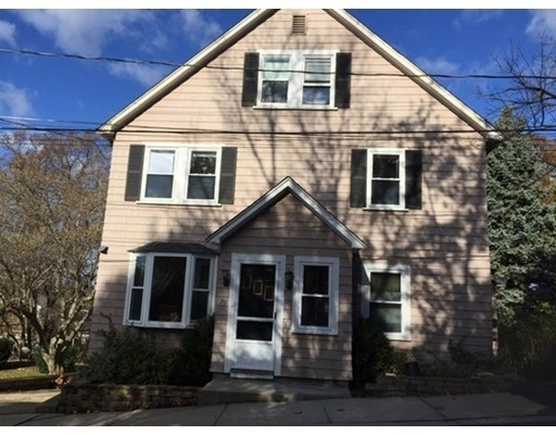 Location à 39 Lotus Ave , 2 Colonial Park, Stoneham, MA 02180