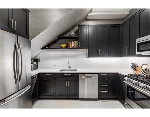 9. Condominiums for Sale at 578 Mass Ave , 2 South End, Boston, MA 02118