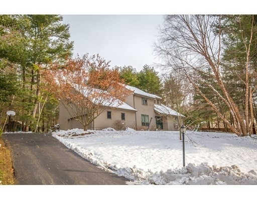 Single Family Home for Sale at Palmer, MA 01069
