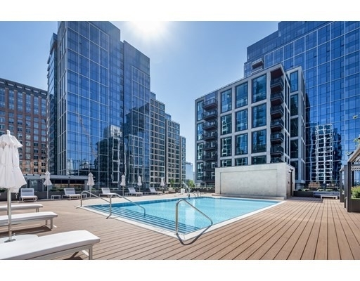 14. Condominiums 為 特賣 在 135 Seaport Boulevard , 2002 Seaport District, Boston, MA 02210