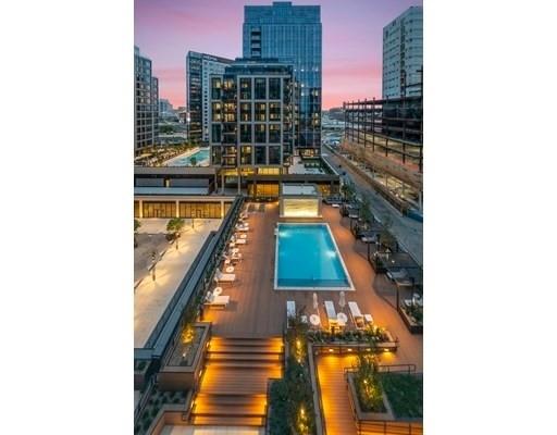 18. Condominiums 為 特賣 在 135 Seaport Boulevard , 2002 Seaport District, Boston, MA 02210