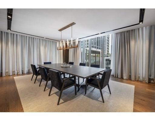 9. Condominiums 為 特賣 在 135 Seaport Boulevard , 2002 Seaport District, Boston, MA 02210