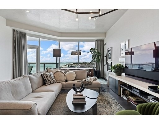 Condominium por un Venta en 50 Liberty Dr , 11C Seaport District, Boston, MA 02210