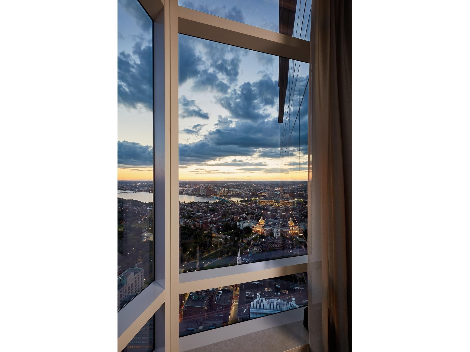 5. Condominiums for Sale at 1 Franklin Street , 5501 Downtown Boston, Boston, MA 02110