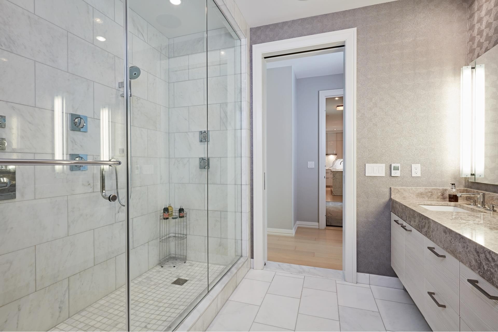 26. Condominiums for Sale at 1 Franklin Street , 5501 Downtown Boston, Boston, MA 02110