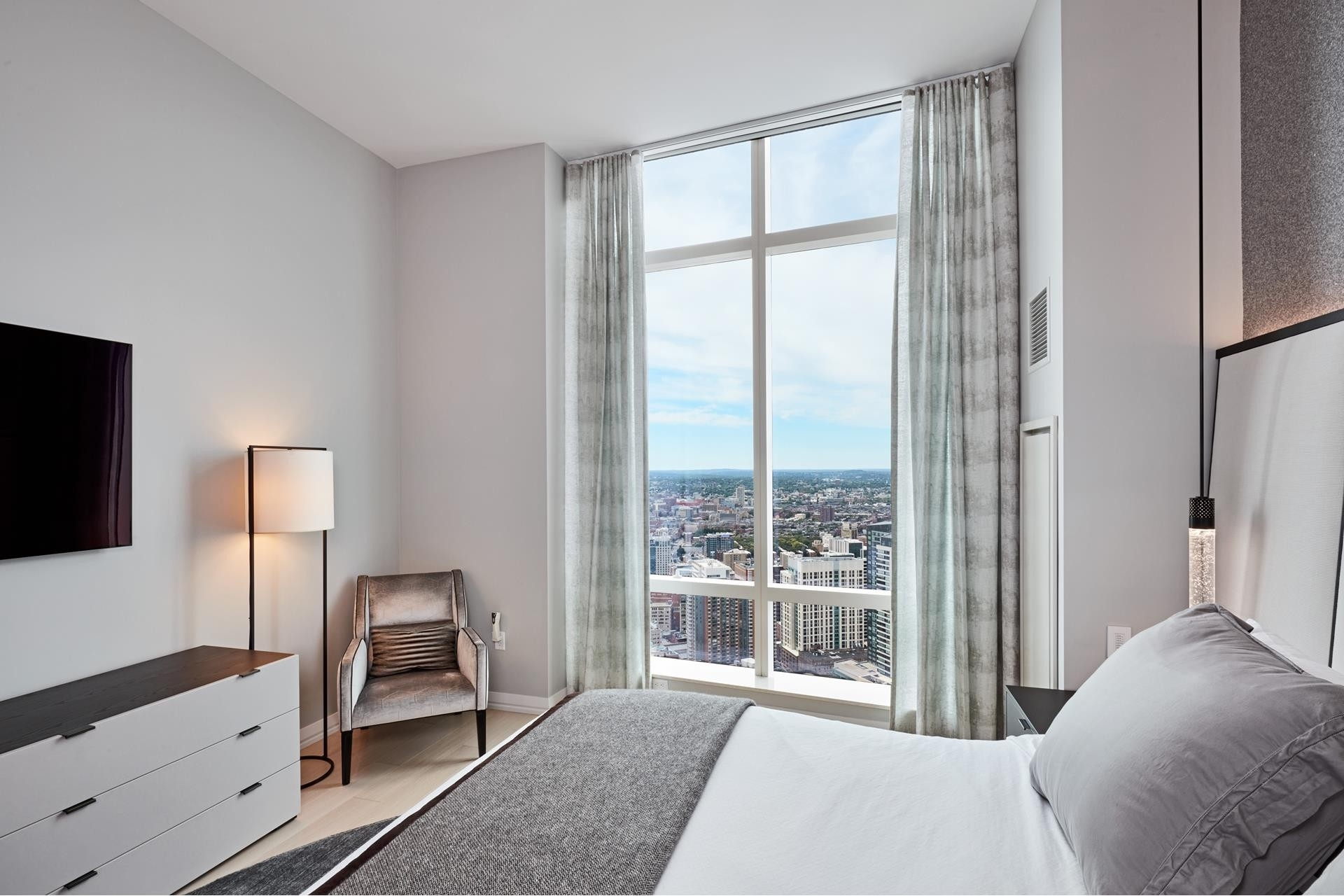 23. Condominiums for Sale at 1 Franklin Street , 5501 Downtown Boston, Boston, MA 02110