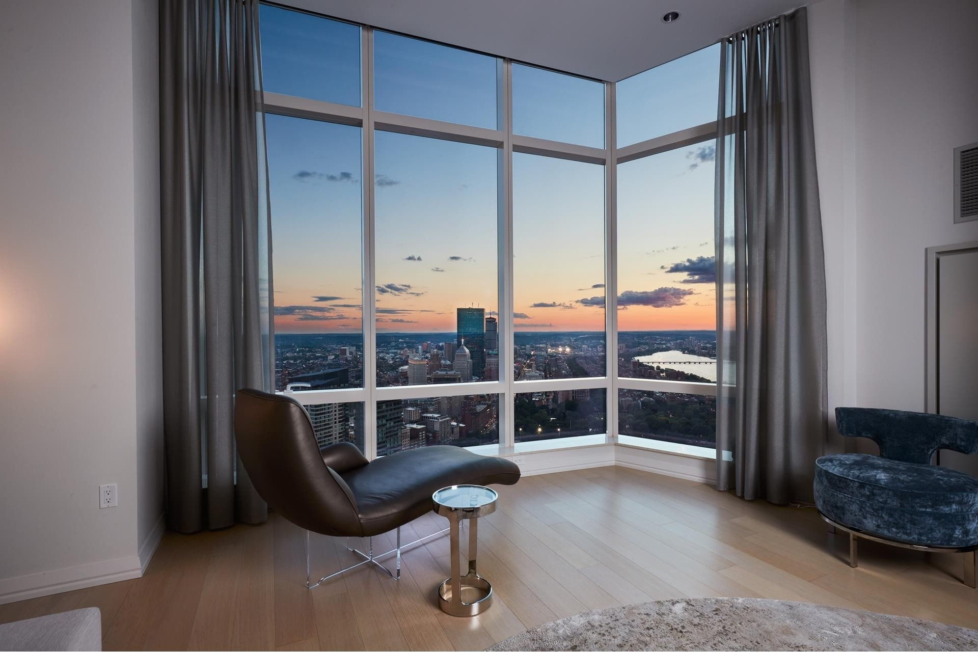 3. Condominiums for Sale at 1 Franklin Street , 5501 Downtown Boston, Boston, MA 02110