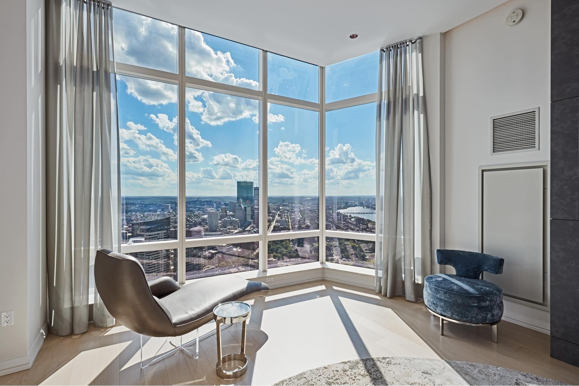 7. Condominiums for Sale at 1 Franklin Street , 5501 Downtown Boston, Boston, MA 02110