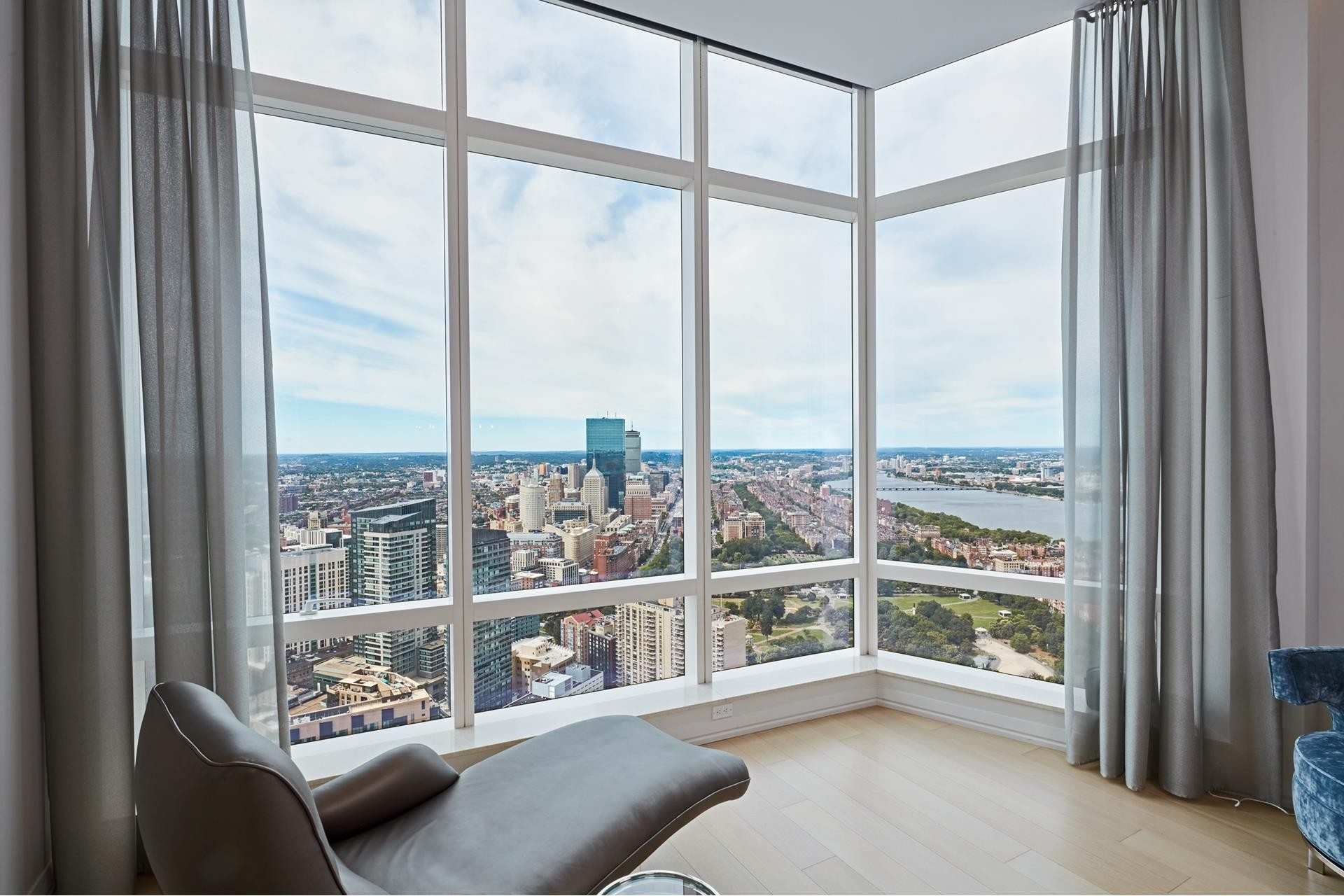 10. Condominiums for Sale at 1 Franklin Street , 5501 Downtown Boston, Boston, MA 02110