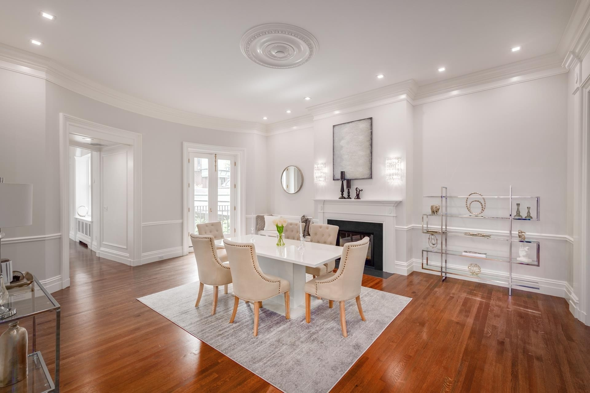 15. Condominiums for Sale at 20 Chestnut Street , 1 Beacon Hill, Boston, MA 02108