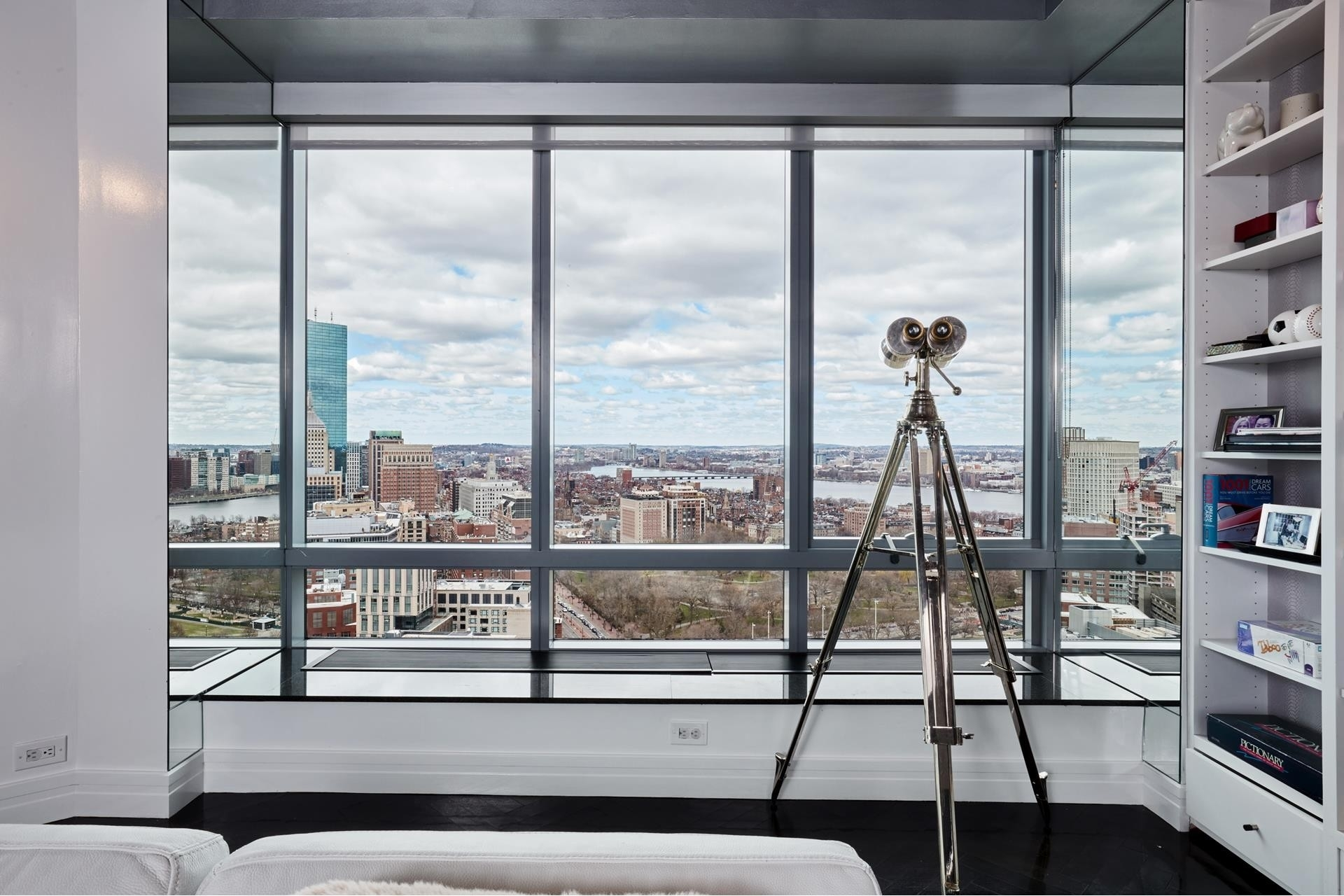 8. Condominiums for Sale at 2 Avery Street , 31C Midtown, Boston, MA 02111