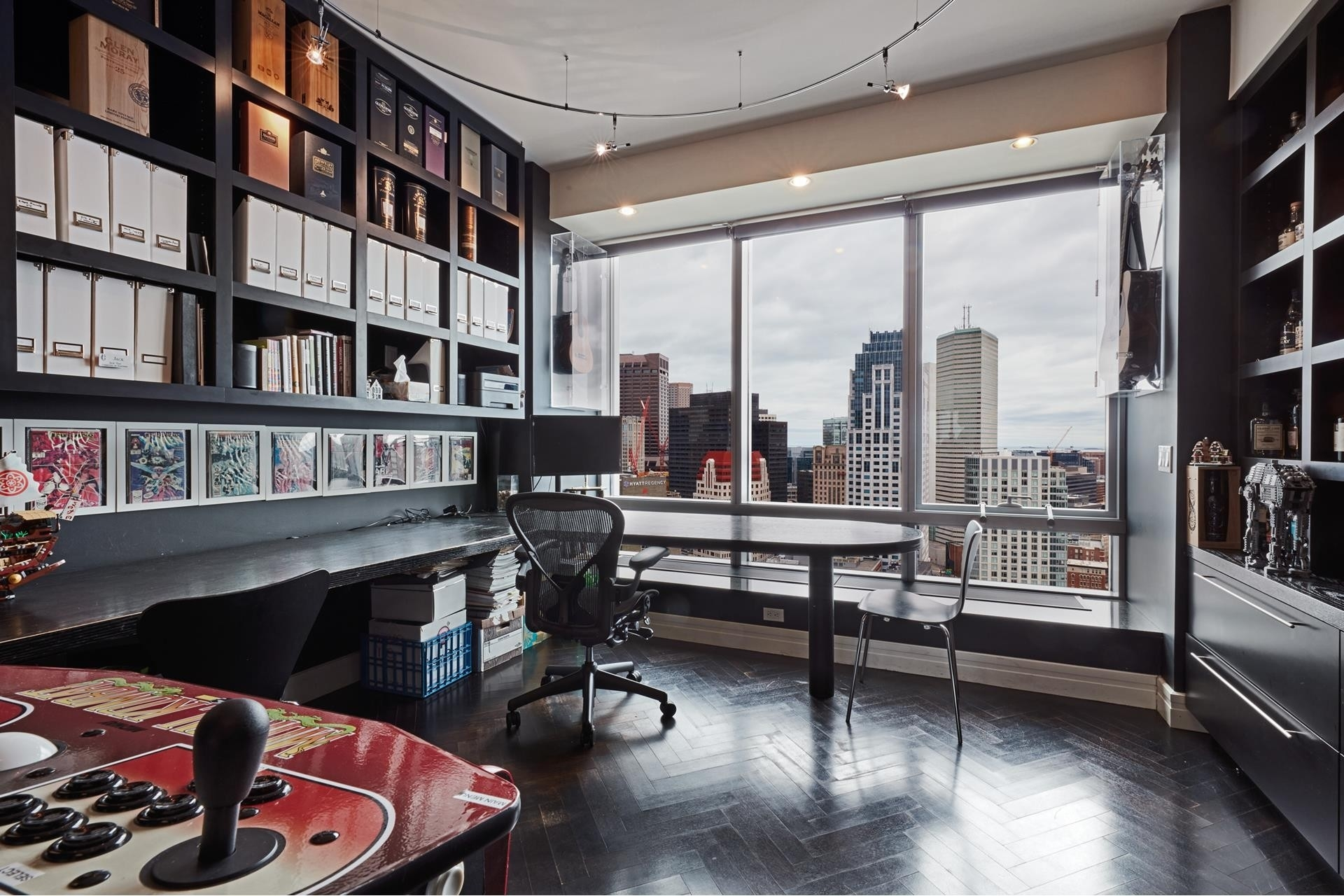 18. Condominiums for Sale at 2 Avery Street , 31C Midtown, Boston, MA 02111