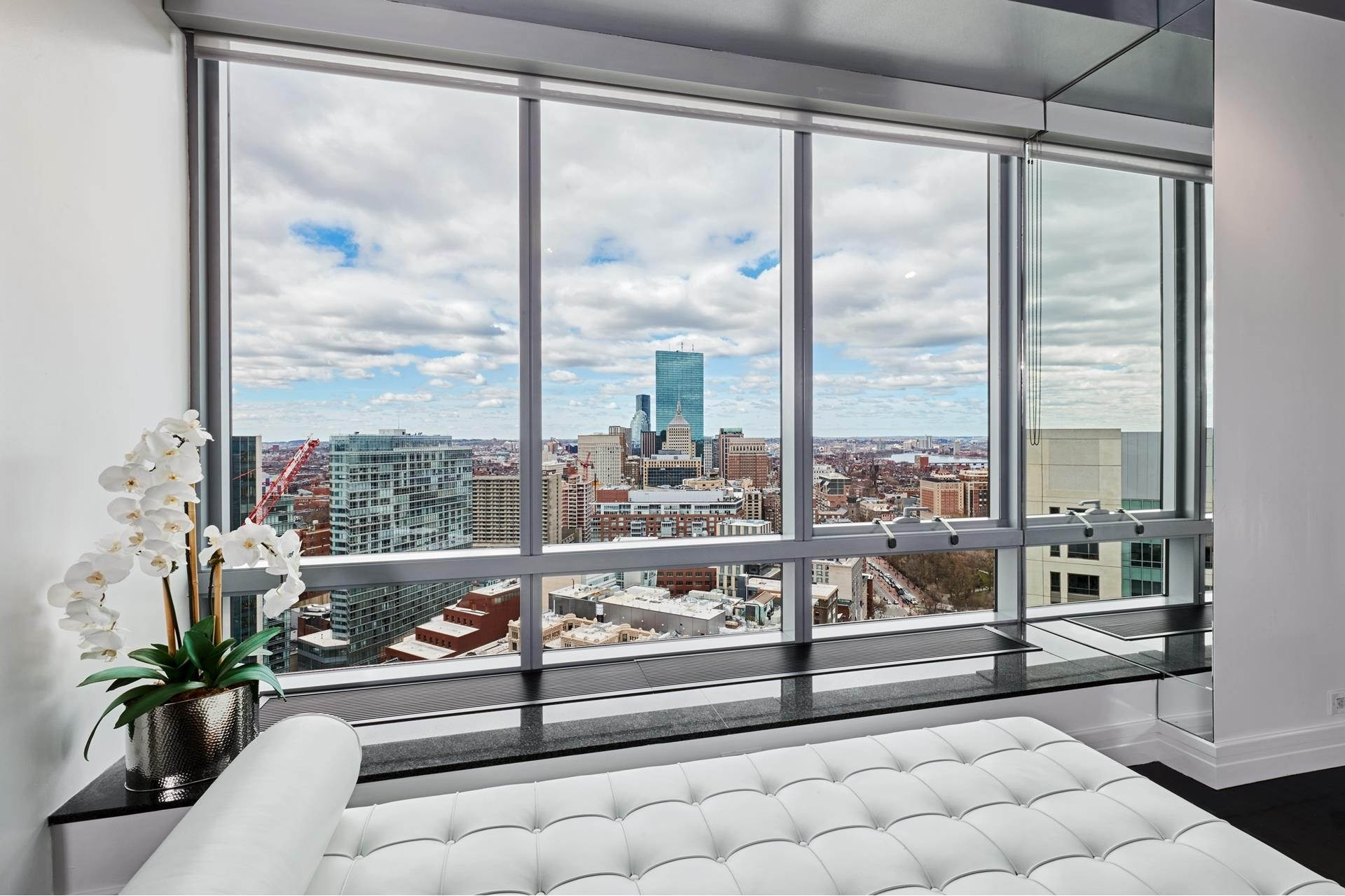 6. Condominiums for Sale at 2 Avery Street , 31C Midtown, Boston, MA 02111