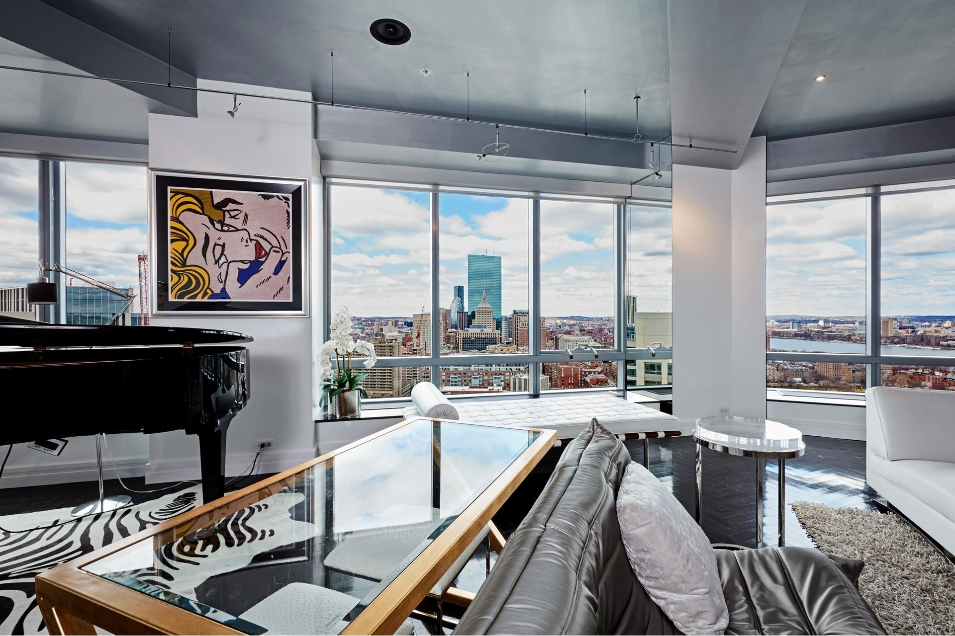 7. Condominiums for Sale at 2 Avery Street , 31C Midtown, Boston, MA 02111