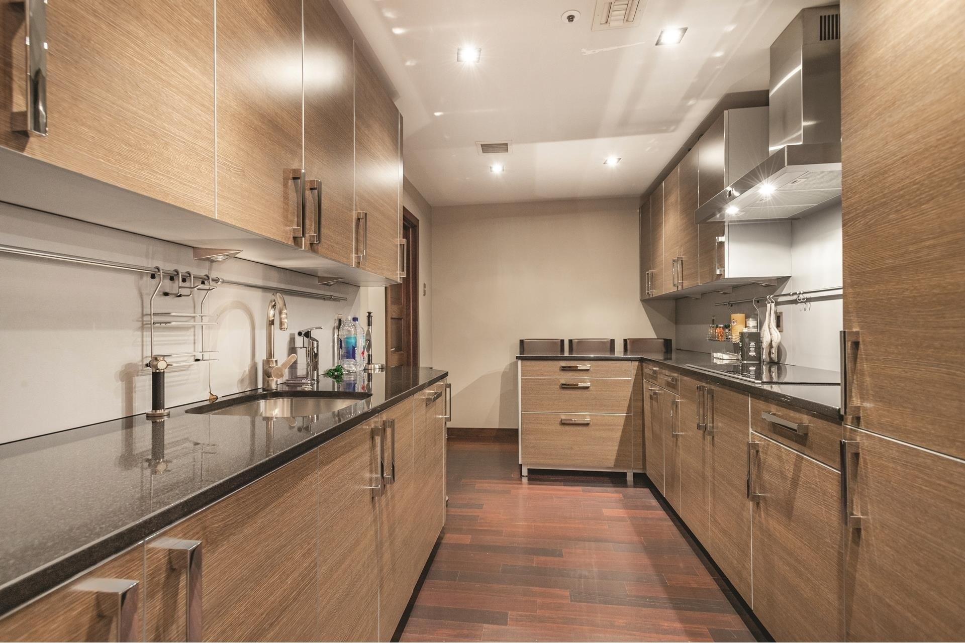 5. Condominiums для того Продажа на 300 Boylston , 505 Back Bay, Boston, MA 02116