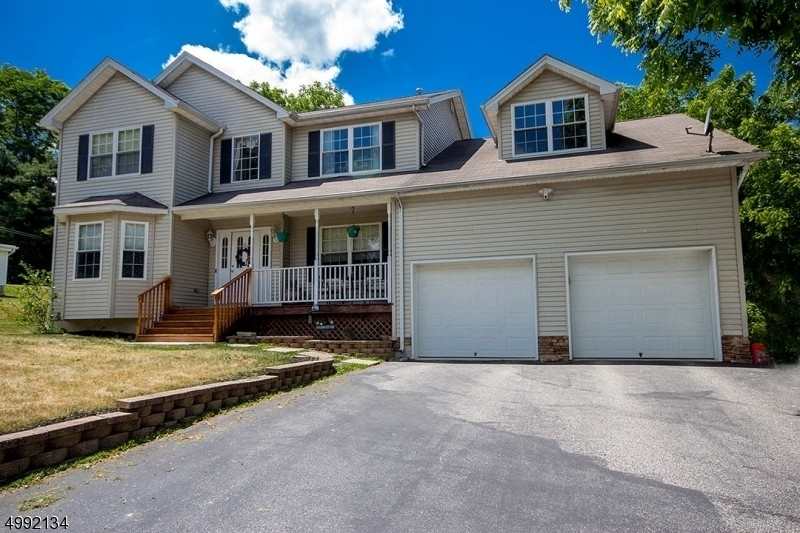 Maison unifamiliale pour l Vente à Sussex, NJ 07461