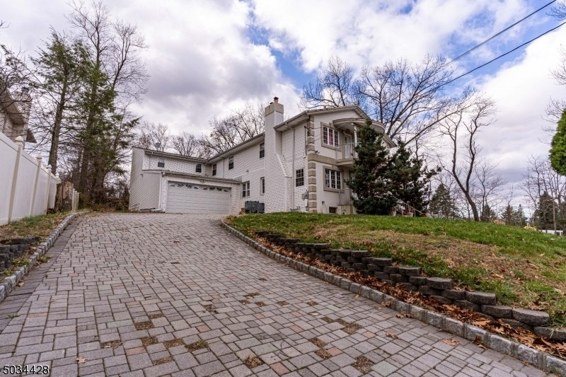 Single Family Home for Sale at Woodland Park, NJ 07424