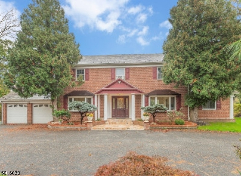 Single Family Home for Sale at Roseland, NJ 07068