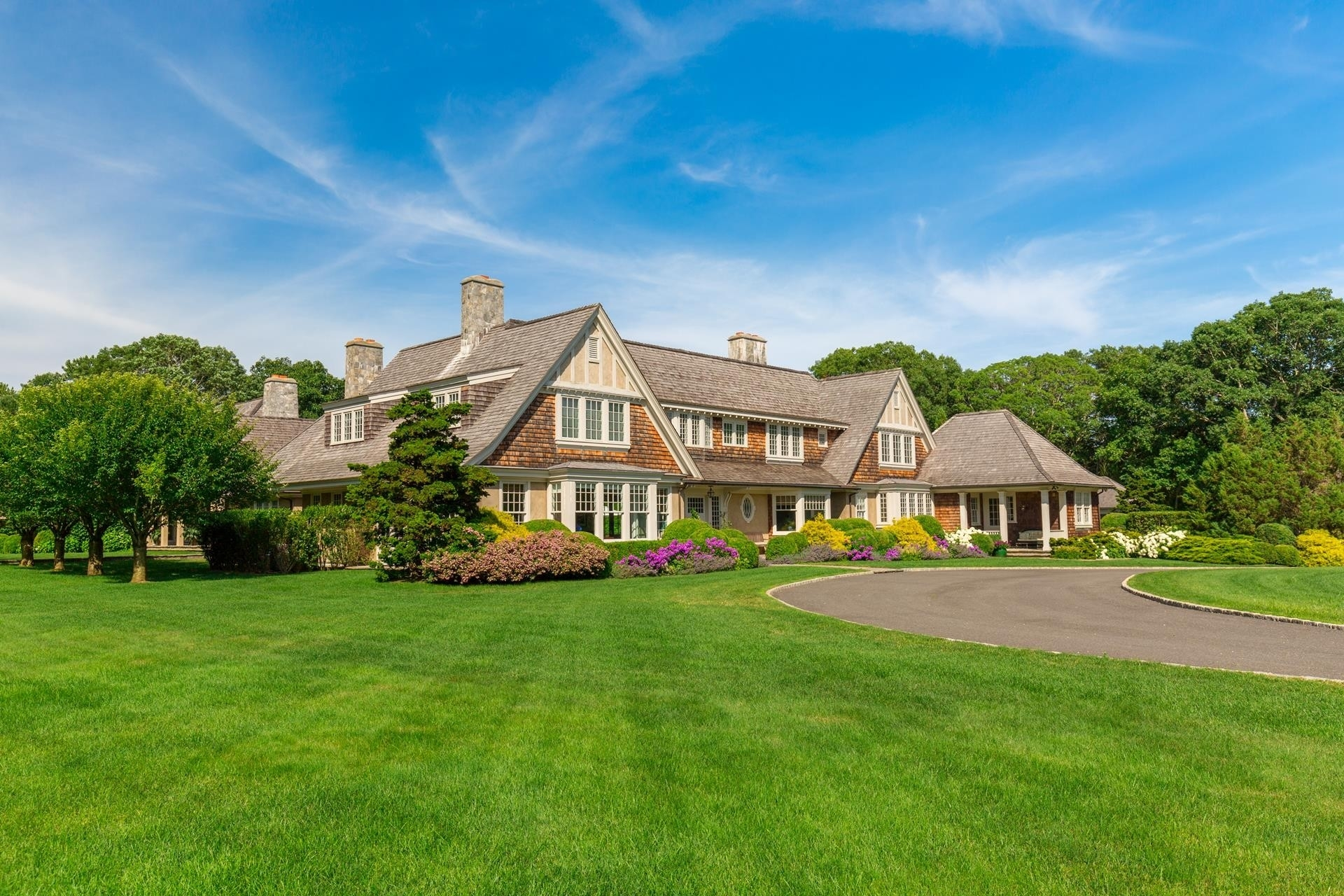 5. Single Family Homes 為 特賣 在 Northwest Woods, East Hampton, NY 11937