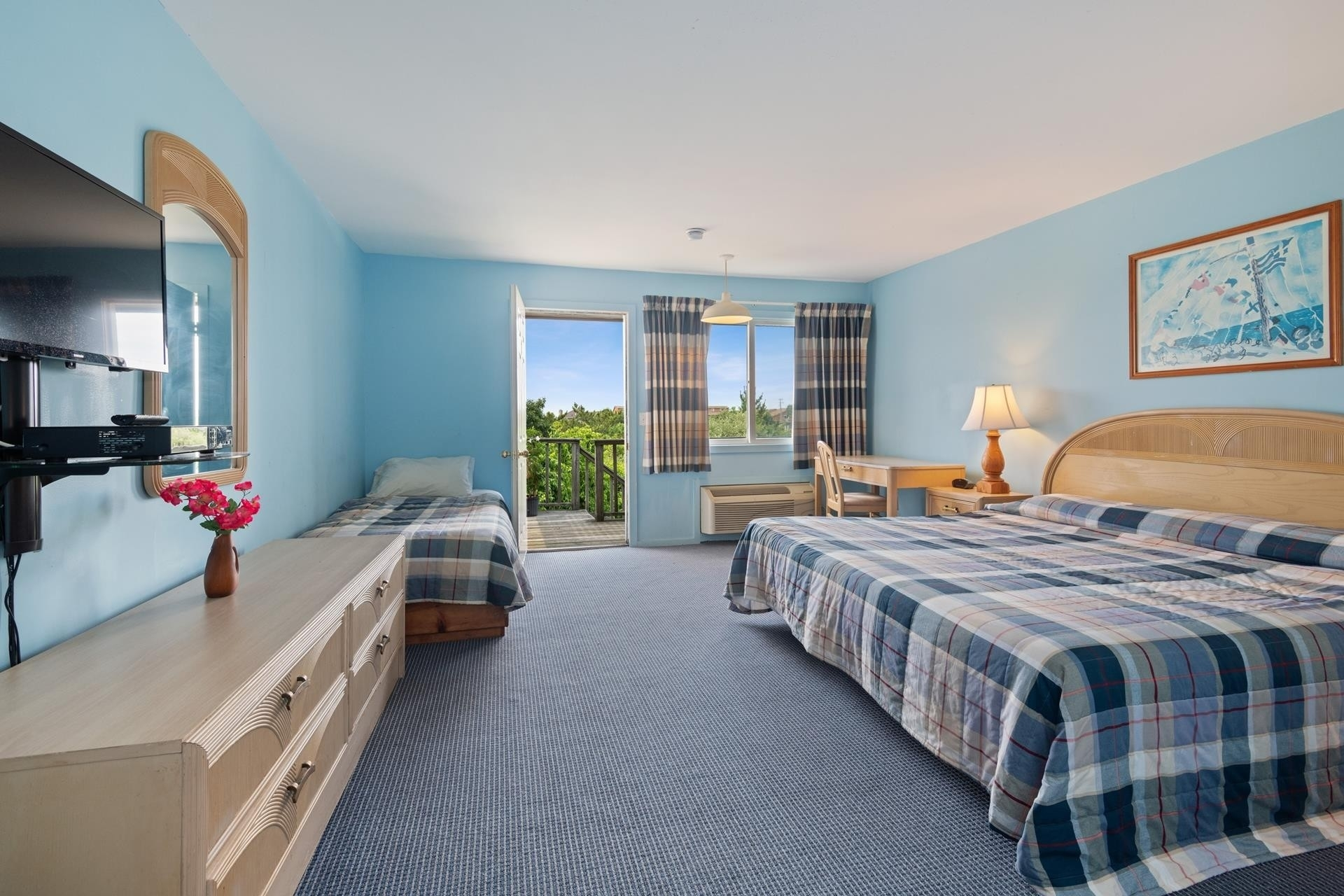 7. Hotel for Sale at Montauk, NY 11954