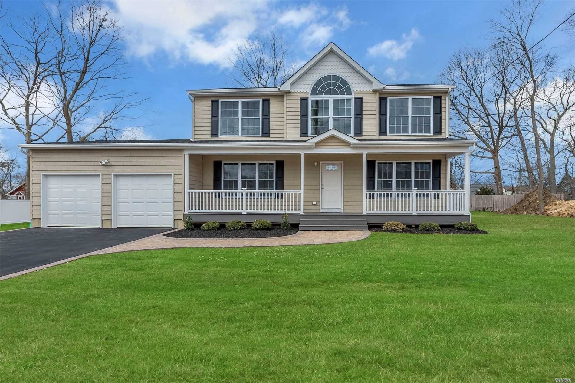 Single Family Home for Sale at St. James, NY 11780
