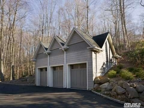 6. Single Family Homes for Sale at Nissequogue, NY 11780