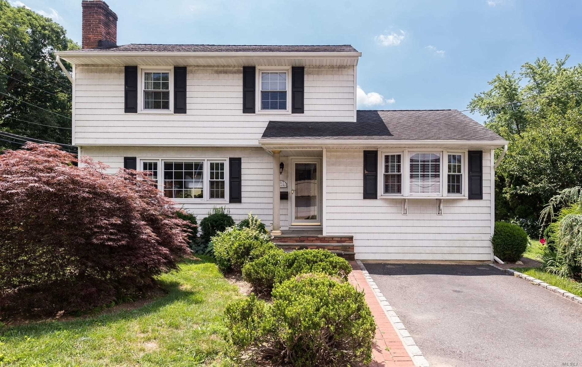 Property at Roslyn Heights, NY 11577