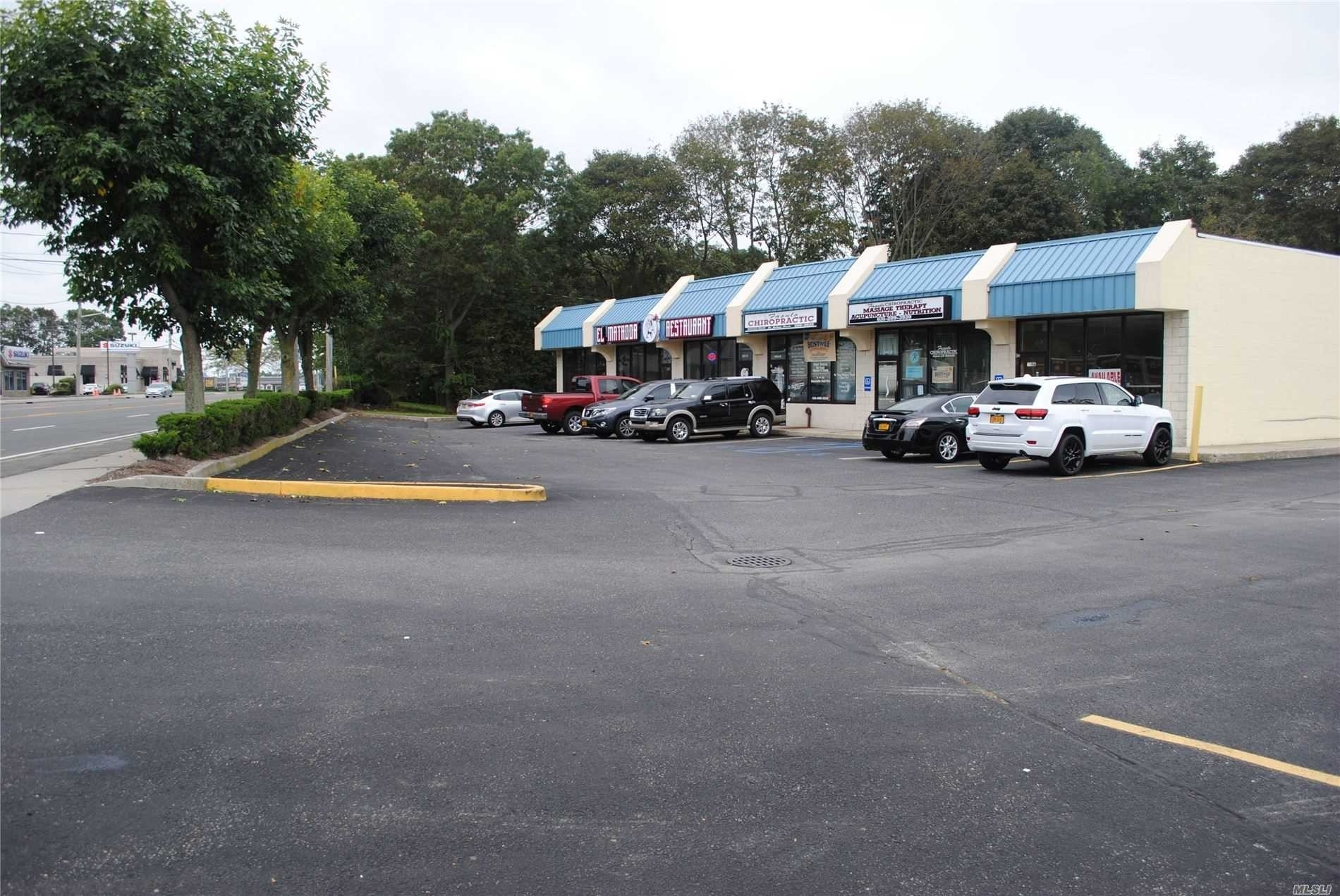 Retail Leases en East Patchogue, NY 11772